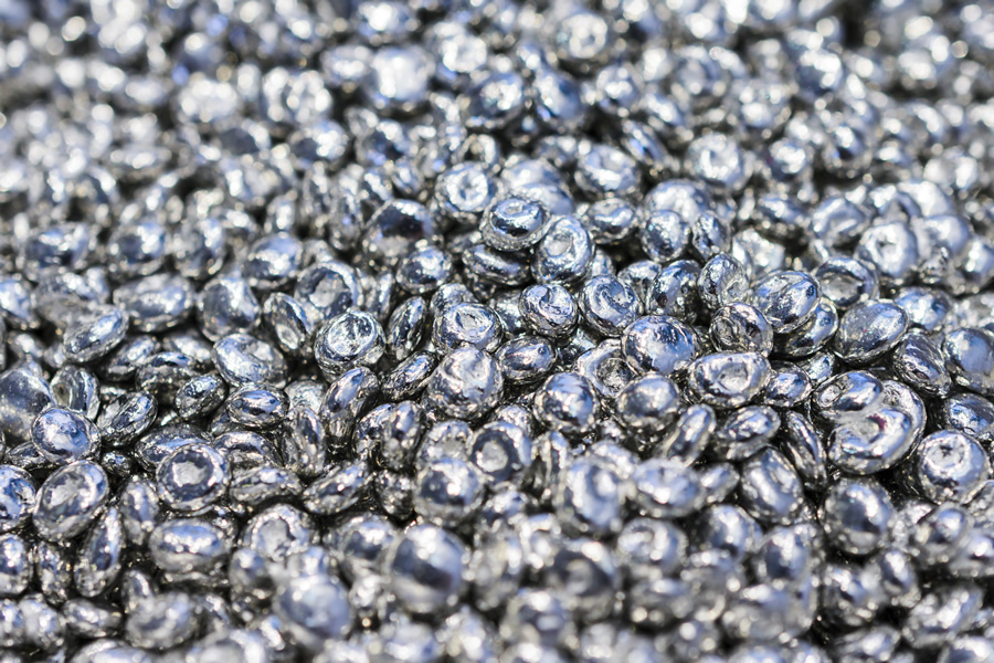 Zinc is one of the 24 micronutrients that the human body needs to function properly (Photo: Adobe Stock)