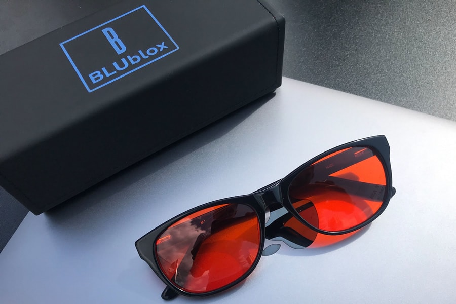 The BLUblox Wayfarer Sleep+ glasses offer a simple look